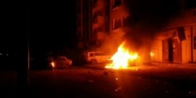 انفجاران يستهدفان مبنى الأمن والشرطة بوادي حضرموت