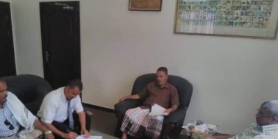 توقيع عقد لاستخراج خام المعادن الطينية بحضرموت