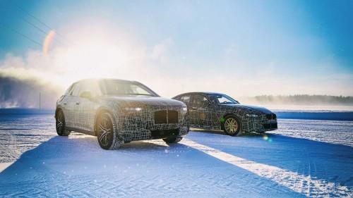 بي إم دبليو تكشف عن سياراتها الكهربائية الجديدة بلقطات على الجليد (صور)
