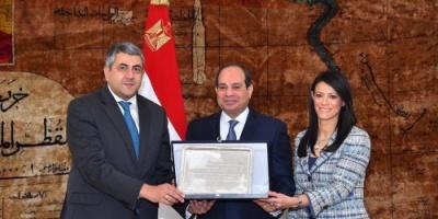 بالصور.. الرئيس المصري يستقبل أمين عام منظمة السياحة العالمية