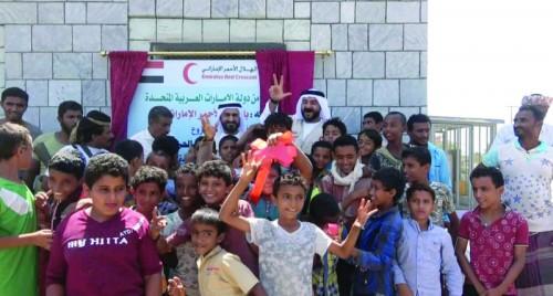 """مشغل الساحل الغربي.. """"هلال الإمارات"""" يغزل الحق في الإنسانية"""
