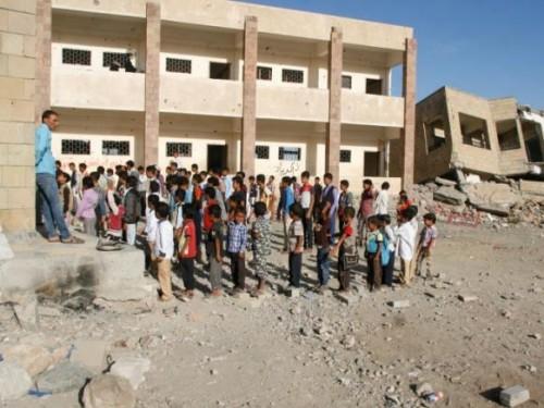 جرائم حوثية في مدارس 17 محافظة.. المليشيات تقصف العقول
