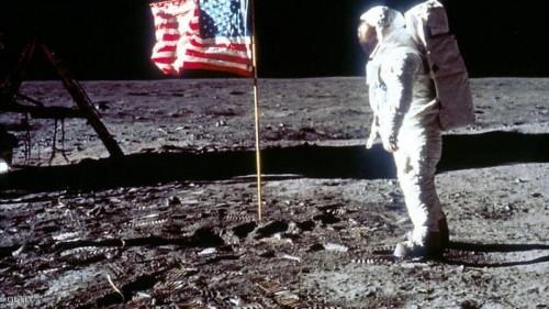 ناسا تقبل التحدي وتسرع إعادة الأمريكيين إلى القمر بحلول عام 2025