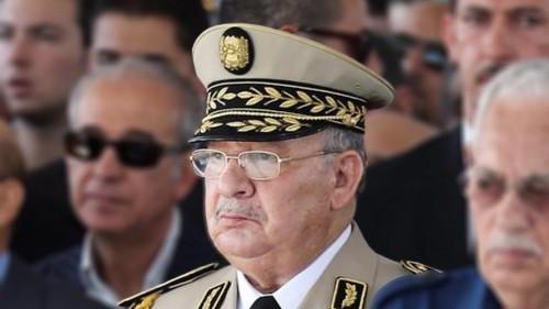 """الجيش الجزائري  يرد على رواية """"الانقلاب"""" على بوتفليقة"""