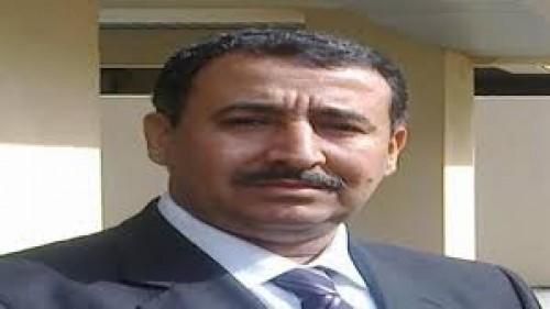 الربيزي يُهاجم وزير الدفاع اليمني