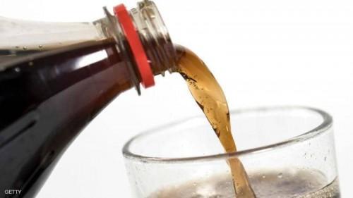 تعرف على التغيرات التي تحدث لجسد الإنسان عند تناوله المشروبات الغازية