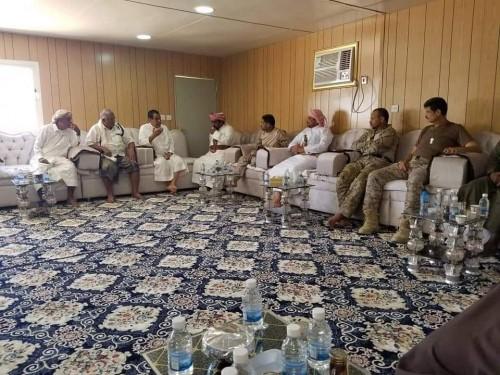 تفاصيل اجتماع قيادة التحالف بالمهرة وقيادة حرس الحدود بقطاع العوامر