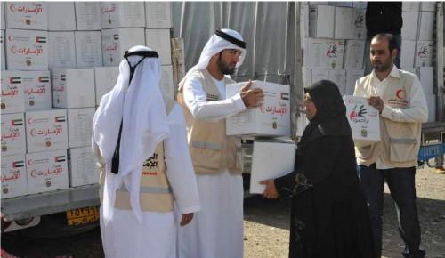 الهلال الأحمر.. ذراع الإمارات الإنساني يعوًض غياب الحكومة والمنظمات الدولية