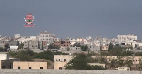 مليشيات الحوثي تصعد قصفها على مواقع العمالقة والقوات المشتركة في الحديدة
