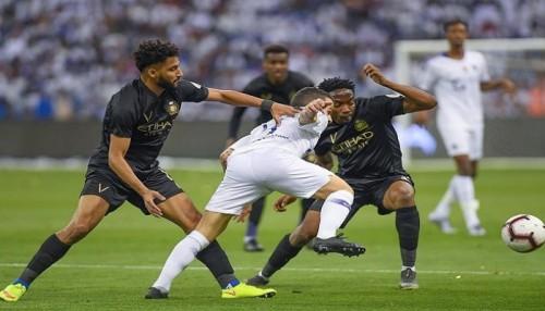 النصر ينتزع صدارة الدوري السعودي بفوز مثير على الهلال