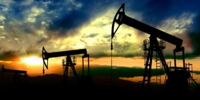 العقوبات الأمريكية على فنزويلا وإيران تدعم سوق النفط وتحقق أكبر مكاسب خلال عقد