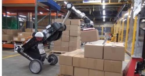"""لتحميل وإفراغ البضائع..شركة أمريكية تطور""""روبوت"""" جديد يشبه الديناصور"""