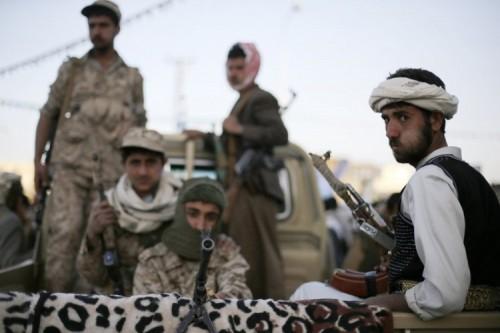 مليشيا الحوثي تضع 30 رجل أعمال تحت الإقامة الجبرية