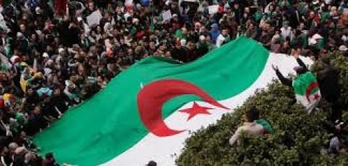 صحفي: الحراك الشعبي الجزائري صعب التلاعب معه