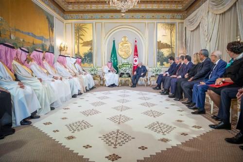 الشريدة: الملك سلمان في تونس وسط ترحيب رسمي وشعبي