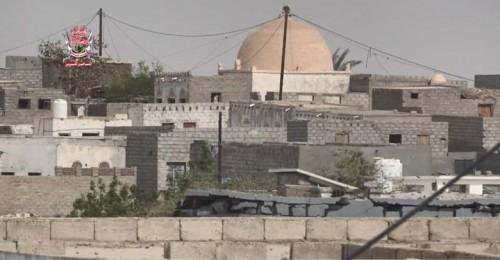 مليشيات الحوثي تقصف مواقع القوات المشتركة في الدريهمي والحديدة