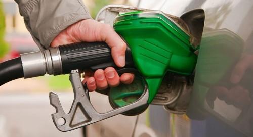 لخفض عجز الموازنة.. تونس ترفع أسعار البنزين 4%