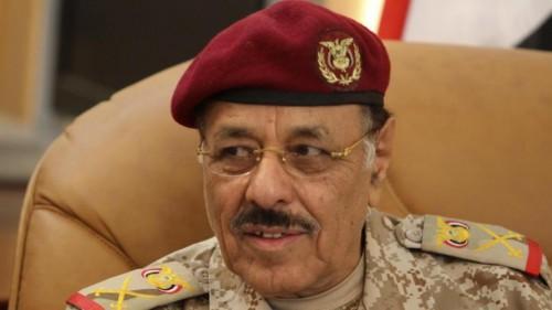 الصفقة الحرام.. محسن الأحمر يؤيد تصعيد الأزمة في تعز لتمكين الحوثي