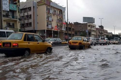 هزة أرضية تضرب مدناً بالعراق وطوارئ ببغداد بسبب الأمطار