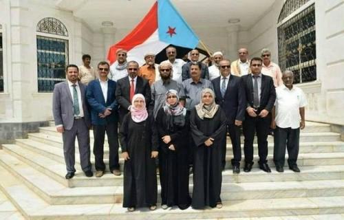 العثمان: لم يعد هناك حلول في اليمن سوى التمسك بالانتقالي