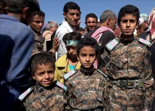 في يوم اليتيم.. الحوثي يحتفل بأطفال صنعاء على أصداء التجنيد والاغتصاب