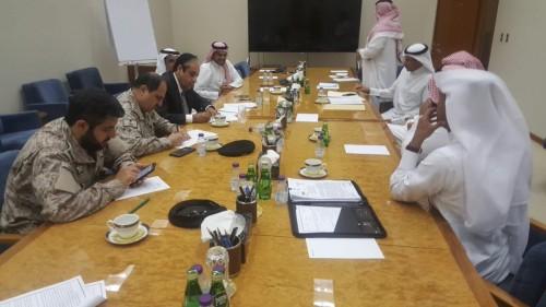 الإرياني: توقيع اتفاقيات بين الحكومة اليمنية والبنك الأهلي السعودي