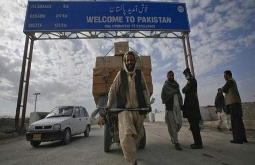 أزمة الهند وباكستان تعرقل حركة السفر للمواطنين الأفغان