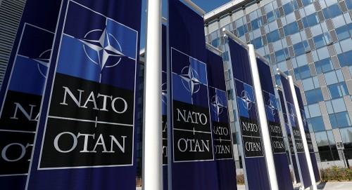 """""""الناتو"""" يوافق على زيادة الوجود العسكري بالبحر الأسود لتأمين السفن الأوكرانية"""