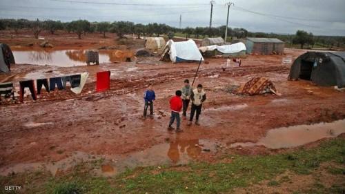 السيول تحاصر 40 ألف نازح شمال غرب سوريا
