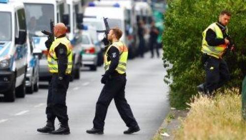 ألمانيا: احتجاز مراهق ألمانى بحوزته عدد من السكاكين