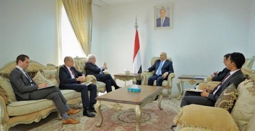 اجتماع بين غريفيث واليماني لمناقشة آخر التطورات حول اليمن