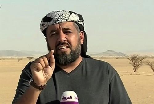 الحوثي محمد أبو طالب يتفاخر بسيارته الفارهة والعرب يعلق