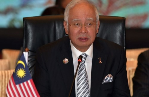 رئيس الوزراء الماليزي السابق يمثل بالمحكمة لاتهامه بالفساد