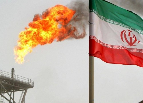 هكذا تخسر إيران 30 مليون دولار يوميًا بتجارة النفط