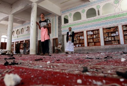 المشروع الفارسي في مناطق سيطرة الحوثي.. الصلاة مُحرمة على النساء