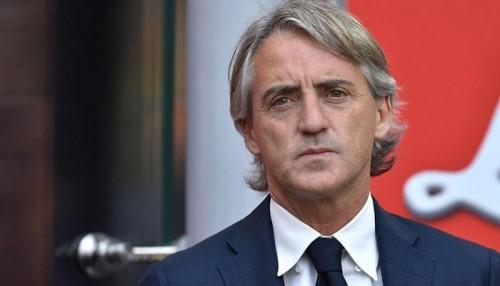 مانشيني يلمح لاستبعاد ثلاثي إيطاليا بعد حادث العنصرية ضد كين