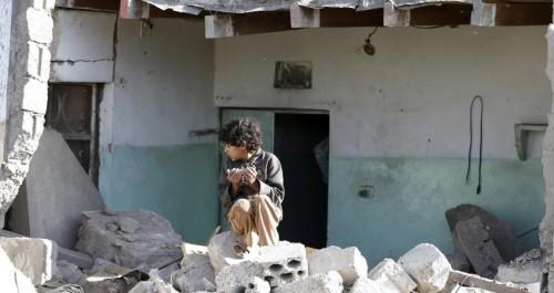 """حدث في صنعاء.. اللعب بـ"""" نار الحوثي """" يحوّل فصلاً دراسيًّا إلى جحيم"""
