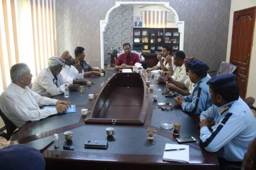 وكيل أول محافظة المهرة يطلع على الترتيبات النهائية للحملة الأمنية
