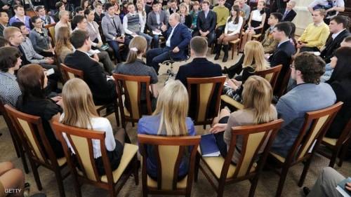 استطلاع للرأي: 20% من الروس يرغبون بالهجرة لتردي الأوضاع الاقتصادية
