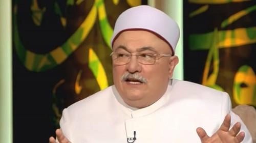داعية مصري ينفي وجود ما يسمى بالطب النبوي (فيديو)