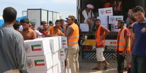 الهلال الأحمر الكويتي يرسل طائرة مساعدات لأهالي جزيرة سقطرى