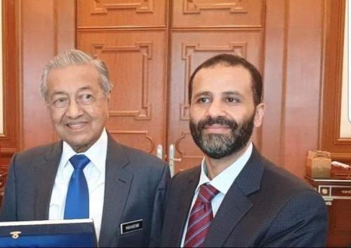 من تركيا لماليزيا.. الإخواني حميد الأحمر يبحث كيفية محاربة الحوثيين!