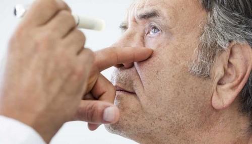 دراسة أمريكية حديثة: فحص العين يسهم في الكشف المبكر عن ألزهايمر