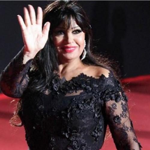 """بعد التوقف لمدة.. فيفي عبدة تعود لتصوير """"ياسمينا"""" (فيديو)"""