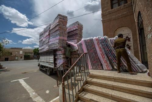 جميح مستنكرا: الأمم المتحدة تمنح بطاطين لسجون الانقلاب والحوثي يبيعها