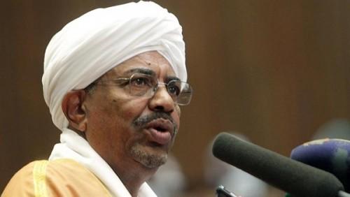 حقيقة هروب عمر البشير بعد انفجار الأوضاع في السودان