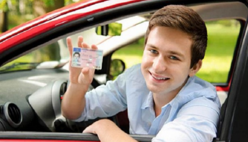 700 ألف مواطن فرنسي يقودون سياراتهم دون رخصة
