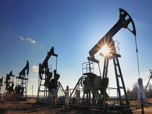 أسعار النفط تصل لأعلى مستوياتها متأثرة بالصراع في ليبيا