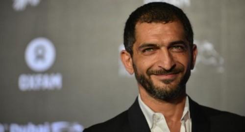"""بعد اتهامه بالخيانة.. عمرو واكد :"""" أنا فنان ولست عضو بتنظيم سياسي """""""