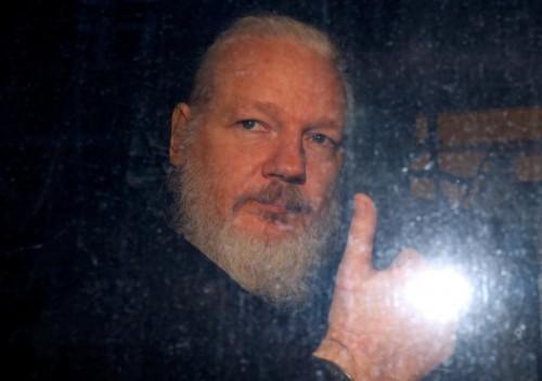 مؤسس موقع ويكيليكس يصل للمحكمة لمحاسبته في قضية تشيلسي